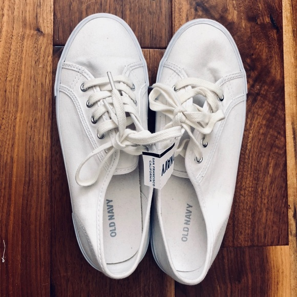 Nwt White Canvas Sneakers Old Navy Size